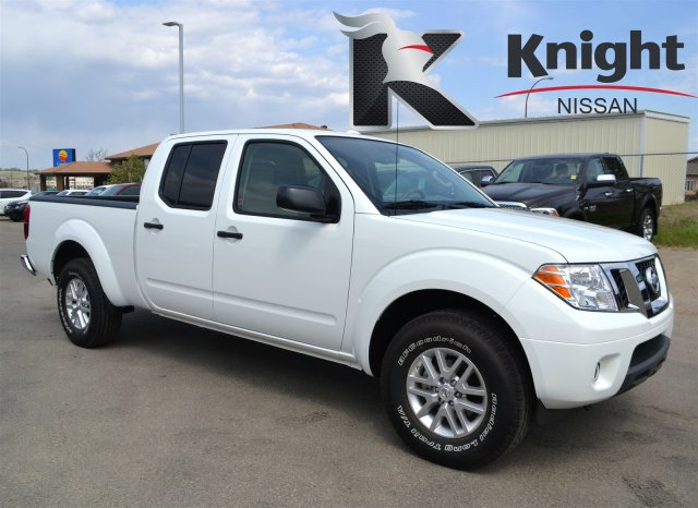 new 2015 nissan frontier sv crew cab pickup near moose jaw. Black Bedroom Furniture Sets. Home Design Ideas