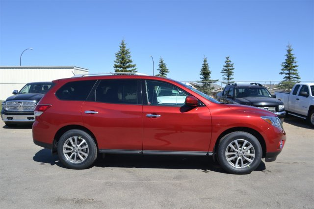 new 2015 nissan pathfinder sv sport utility near moose jaw. Black Bedroom Furniture Sets. Home Design Ideas