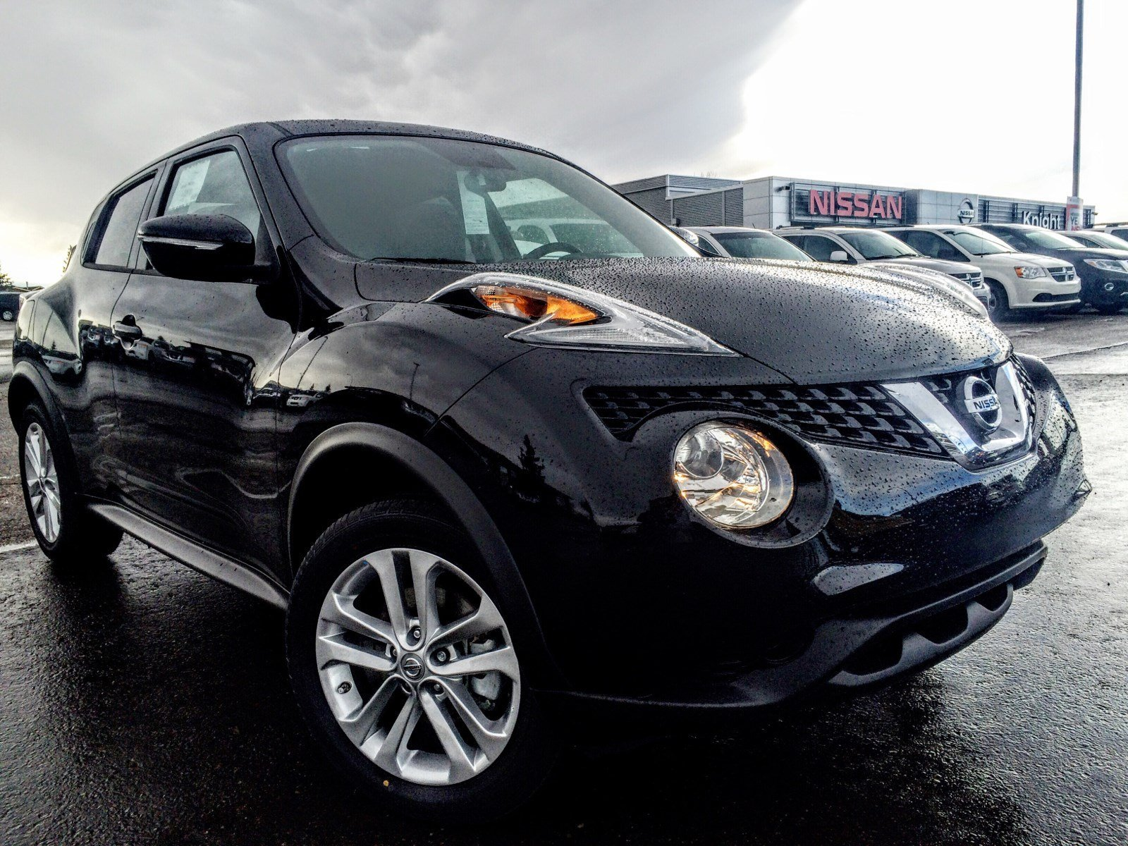 new 2016 nissan juke sv sport utility near moose jaw 2108 knight nissan. Black Bedroom Furniture Sets. Home Design Ideas